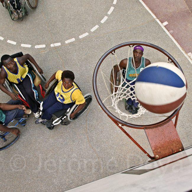 Togo – Lomé – Terrain de basket du stade omnisports